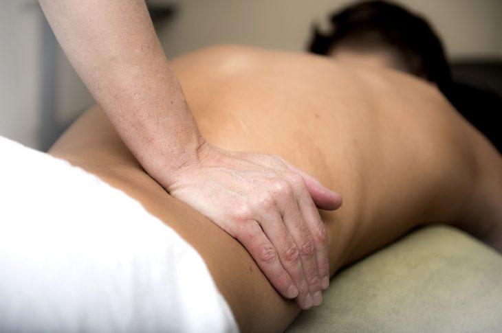 massage lomi-lomi