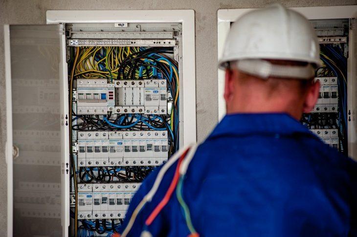 services d'un électricien