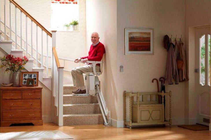 Monte-escalier pour les personnes âgées